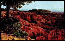 Bryce Canyon National Park - Boat Mesa and the Queen's garden - Circulated - Circul�. 1971.