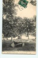 VILLERS SAINT SEPULCRE : La Pierre Aux Fées. 2 Scans. Edition LL - Autres Communes