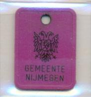 Nederland - Nijmegen 199? - Paars  - Hundemarke - Dog Tax Tag- Médaille De Chien - Hondenpenning - Unclassified