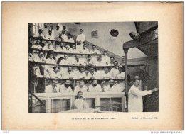 Photo Sur Papier Souple - Hopital  BROCA  ( Ancien Hopital De Lourcine)  Le Cours De Mr; Le Professeur POZZI - Vieux Papiers