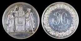 AG00067 Médaille De Mariage, Monogramme Entouré De Fleurs (1877) Et Un Curé, Couple Au Revers, Argent 24 G - France
