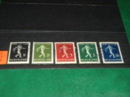836/ TIMBRES NEDERLAND ° 327/31 - Period 1891-1948 (Wilhelmina)