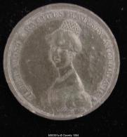 M00391 BIZARRE Reine Victoria De Profil (1837) Et Sa Majorité Et Accession Au Revers, Plomb, (14 G.) - Royal/Of Nobility