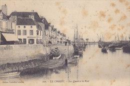 44 - Le Croisic - Les Quais Et Le Port (animée, Taches...) - Le Croisic