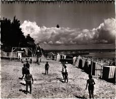 SAINT PIERRE QUIBERON ,PLAGE DE KERMAHE ,BEAU PLAN A VOIR !! MATCH DE VOLLEY    REF 35062 - Volleyball
