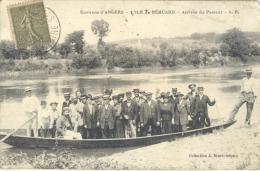 _ik186: Environs D' ANGERS - L' ILE De Béhuard - Arrivée Du Passeur... Un Peu Sale... - Autres Communes