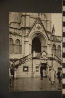 LOURDES   LA CRYPTE    EDITIONS GAUD    NON VOYAGEE - Lourdes