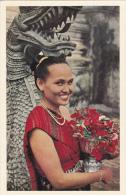 Laos Girl , Arrivee A La Pagode Pour L'offrande De Fleurs , 40-50s - Laos