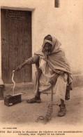 Algerie, Bel Abbes Le Chasseur De Viperes Et Ses Pensionnaires Vivants, Une Vipere Et Un Ourane - Algérie