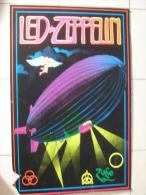 MUSIQUE - POSTER VELOURS & FLUO - LED ZEPPELIN - REAGIS A LA LUMIERE NOIRE - 84x54cm - Plakate & Poster