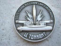 INSIGNE MARINE NATIONALE SOUS MARIN SNLE LE TONNANT (COIN) ETAT EXCELLENT