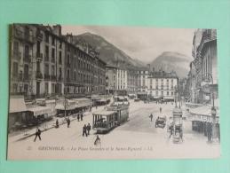GRENOBLE - La Place Grenette Et Le Saint EYNARD - Grenoble