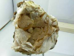 CALCITE  10 X 9 CM COL DE TRIBES - Minéraux