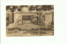 Mol Moll Statue Des Heros De 1914 1918  Standbeeld Der Gesneuvelden - Mol