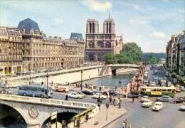 7-fra8. Postal Francia. Paris. Notre Dame, El Puente Et Le Quai Saint Michel - Notre Dame De Paris