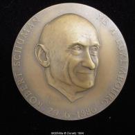 M00549 EUROPE, Robert Schuman (1886-1986), De Profil Et Un De Ses Dires Au Revers. 130 G - Jetons & Médailles