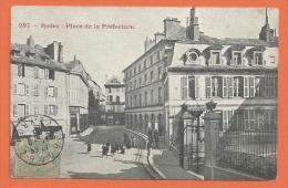 X095, Rodez, Place De La Préfecture, Animée, Circulée 1906 - Rodez
