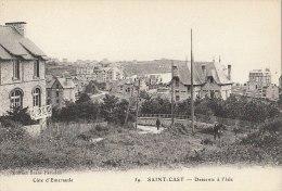 22 SAINT CAST   Les VILLAS  Hommes Sur Le Chemin Descente à L'  ISLE - Saint-Cast-le-Guildo