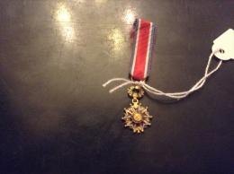 Medaille Ou Décoration LE MÉRITE Miniature - Militaria
