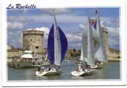 La Rochelle - Voiliers Entrant Dans Le Vieux Port - La Rochelle