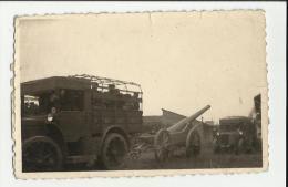 FOTO ORIGINALE CM 9 X 5  CIRCA   SOLDATI   ITALIANI A BARDONECCHIA 1934 CANNONE DA 149 E CAMION - Guerra, Militari