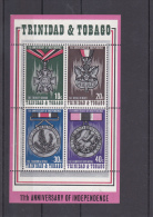 Trinidad & Tobago Minisheet: 11th Anniversary Of Independence - Medals Mint/**   (G45-5) - Militaria