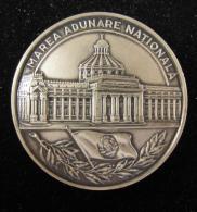 M00757 ROMANIA Marea Adunare Nationala écu Et Parlement 102 G - Jetons & Médailles
