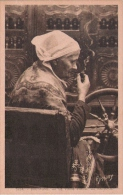 BRETAGNE 5224 LA VIEILLE FILEUSE PAIMPOL (FEMME A LA PIPE) - Paimpol