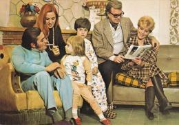 Familias -escenas--1973 - Matrimonios