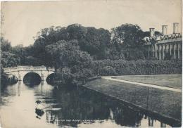 Vue De CAMBRIDGE/ Angleterre/ Clare College And Bridge / Vers 1920-1930            IM396 - Fiches Illustrées