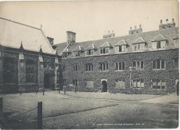 Vue De CAMBRIDGE/ Angleterre/Ivy Court Fembroke  College  / Vers 1920-1930            IM398 - Fiches Illustrées