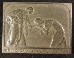 M00835 Témoignage De Gratitude Avec Deux Femmes Embrassant La Main De L´autre, Jacques Marin 1919, 104 G. - Belgium
