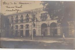 CPA PHOTO CAMBODGE CAMBODIA PNOM PENH Hôtel De La Douane Un Jour De Fête Texte 1910