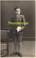 ANCIENNE PHOTO  JEUNE GARCON ** VINTAGE PHOTO YOUNG BOY - Personnes Anonymes