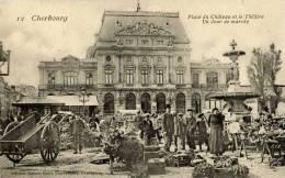 50-CHERBOURG--La Place Du Château-Un Jour De Marché-Très Animée - Cherbourg