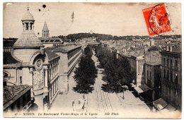 CP, 30, NIMES, Le Boulevard Victor-Hugo Et Le Lycée, Voyagé En 1913 - Nîmes