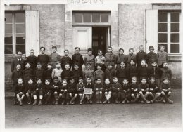 - Photo 18cm X 13cm  ( 18 ) SANCOINS, Groupe Scolaire 1945 Groupe 4 - 032 - Non Classificati