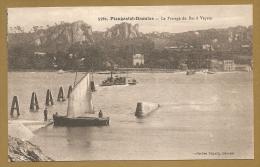 5761. PLOUGASTEL-DAOULAS -- Le Passage Du Bac à Vapeur - BACS - BATEAUX - Plougastel-Daoulas