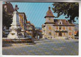 LAMASTRE 07 - Place Seignobos Et Hotel De Ville - Jolie CPSM Dentelée GF N° 49861 - Ardèche - Lamastre