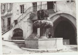 Cpsm 13 Bouches Du Rhone Cuges Les Pins La Fontaine Et Le Lavoir Public - Sonstige Gemeinden