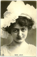 VERA LYDIA - MVB 1609 (beau Portrait Femme Au Chapeau) - Artisti