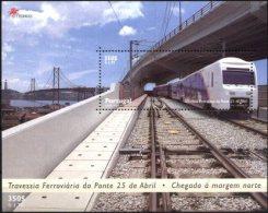 PORTUGAL, 1999, RAILWAY CROSSING THE BRIDGE 25 APRIL, CE#B.220, SS, MNH - Trains