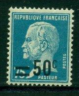 Type Pasteur Surchargé Avec Charnière - France
