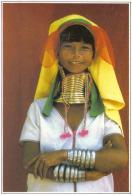 Carte Postale Birmanie  Loi Kaw Jeune Femme Girafe Collection Hachette Trés Beau Plan - Cartes Postales