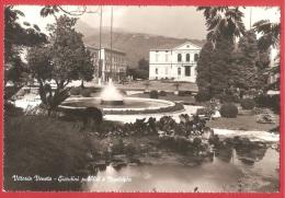 CARTOLINA VG ITALIA - VITTORIO VENETO (TV) - Giardini Pubblici E Municipio - 10 X 15 - ANNULLO VITTORIO VENETO 1961 - Treviso