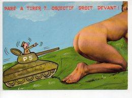REF 142 : CPSM Pin Up Militaire Tank Paré à Tirer Objectif Droit Devant Fesses De Femme - Pin-Ups