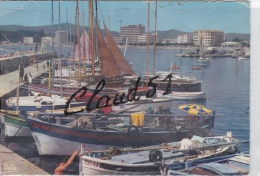 LE  LAVANDOU (83) Le Port Et Ses Embarquations - Le Lavandou