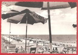 CARTOLINA VG ITALIA - MISANO MARE (RN) - La Spiaggia - 10 X 15 - ANNULLO MANTOVA 1957 - Rimini