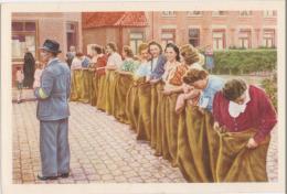 Chromo : Turnhout Course En Sac Pour Les Femmes - Folklore Belge Cote D'or 2 E Série N° 236 (chocolat) - Oud-Turnhout
