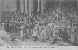 PARIS Evenement  Anniversaire  Armistice 1920 Drapeaux Des Regiments De France Sur Les Marches Du Pantheon Série LL 14 - Guerra 1914-18